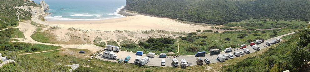 Camper-Parkplatz am Praia Barranco, Portugal